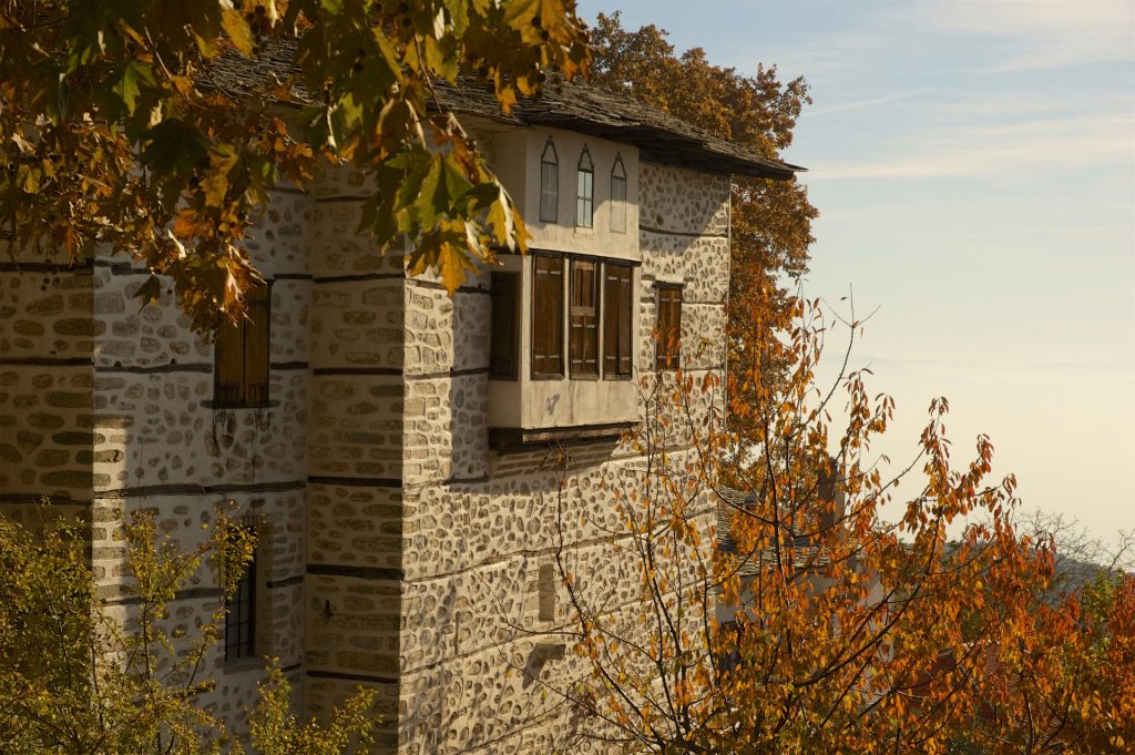 Large traditional stone mansion in Vizitsa