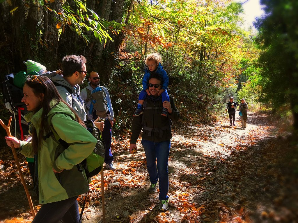 trekking_in_pelion_autumn_friends